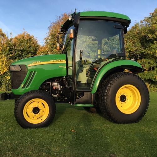 john deere 3320 compact tractor bertie green. Black Bedroom Furniture Sets. Home Design Ideas
